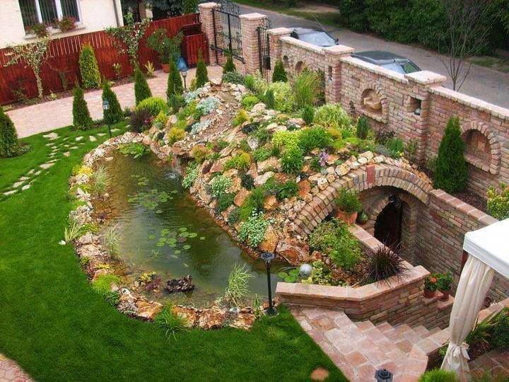 bf514bf271d1b0f8cabfbe412dfa1d67 garden privacy garden fountains5833450436436449696 - Как самостоятельно построить погреб
